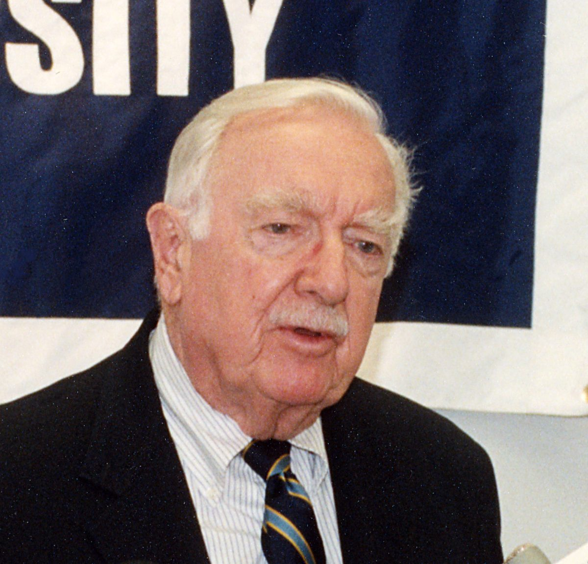 Walter Cronkite speaking at Souther Connecticut State University